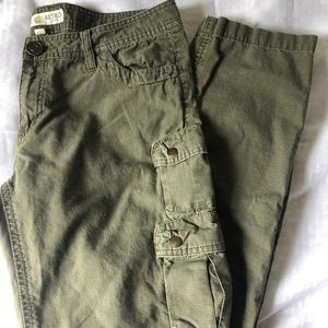 Kut from the Kluth Cargo Pant